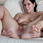 Third pic of Indy shows off hairy pussy in living room : WeAreHairy.com