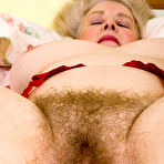 Fourth pic of AllOver30.com - Over 30 MILF