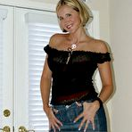 First pic of naughtyathome.com slutty milf desirae spencer