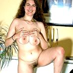 Third pic of SCORELAND.COM presents:Big  juicy nat hangers of hairy Denise Davies - early pics!!
