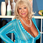 First pic of 40SomethingMag.com - Mandi McGraw - Our Oldest MILF So Far!