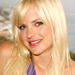 First pic of Anna Faris nude posing photos