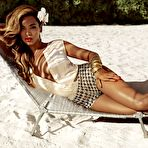 First pic of Beyonce Knowles shows off her sexy body wearing skimpy bikini and lingerie for H&M and GQ magazines