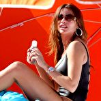 Second pic of Sofia Vergara in tight swimsuit on the beach