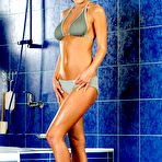 First pic of Veronica Vanoza - Veronica Vanoza gets naked in the bathroom and strokes her luscious hot body.