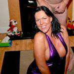 Third pic of Fabulous UK MILF Peaches Delight in AFUK.-