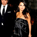 First pic of Popoholic  » Blog Archive   » Selena Gomez Puts On A Drop Dead Sexy Cleavage Show