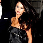 Second pic of Popoholic  » Blog Archive   » Selena Gomez Puts On A Drop Dead Sexy Cleavage Show