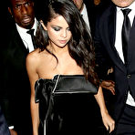 Fourth pic of Popoholic  » Blog Archive   » Selena Gomez Puts On A Drop Dead Sexy Cleavage Show