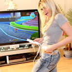 First pic of Young bitch playing Wii completely naked - XBabe
