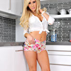 First pic of Tasha Reign Tease - Free Young Babes
