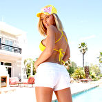 First pic of Nicole Aniston: Nicole Aniston loves sunbathing and... - BabesAndStars.com