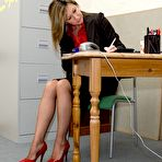 First pic of office girls gets dirty phone call - Milf Nylon