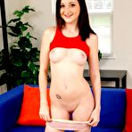 Second pic of American coed Hailey Little gets herself off on the couch - Coed Cherry