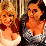 First pic of Amy Goodhead and her bisexual mature girlfriend share one cock