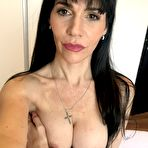 First pic of Recently divorced couger MILF Annie is back on the prowl and doing some nude selfies.