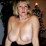 Second pic of UK Amateur  Busty Mature Mom - 22 Pics - xHamster.com
