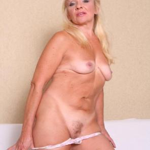 Pussy Filled Mature Renee #201209