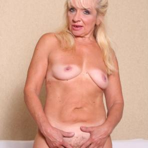 Pussy Filled Mature Renee #201210
