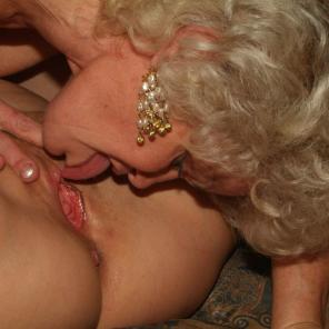 Chunky Older Gals Threesome #350211
