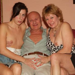 Sexy Older Babe Threesome #365132