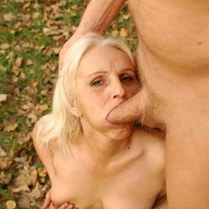 Mandy Granny Pussy Filling #376665