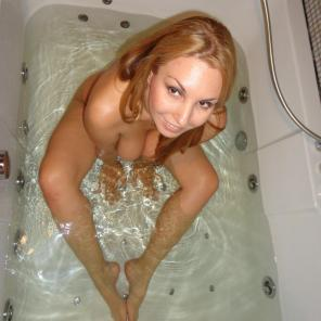Nude porn Pics with Blonde Amateur Gets Wet
